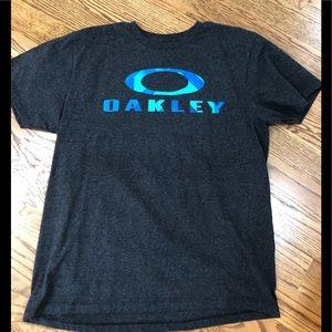 EUC Oakley Tee